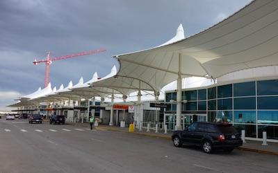 デンバー国際空港 ピックアップ・ドロップオフ