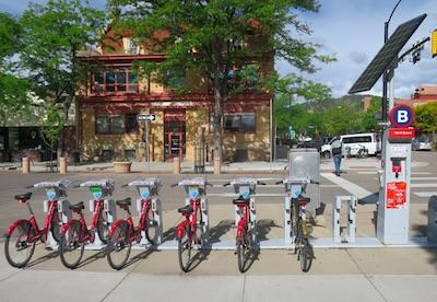 B cycle ボルダー 自転車 駐輪所