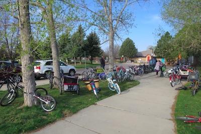 Bike to School Day アメリカの小学校