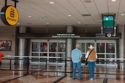 デンバー空港での待ち合わせ 国際線