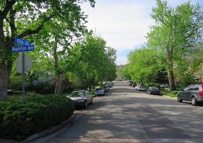 ボルダーを歩いて観光 街並み散策